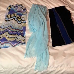 Lot of 3 blue scarves
